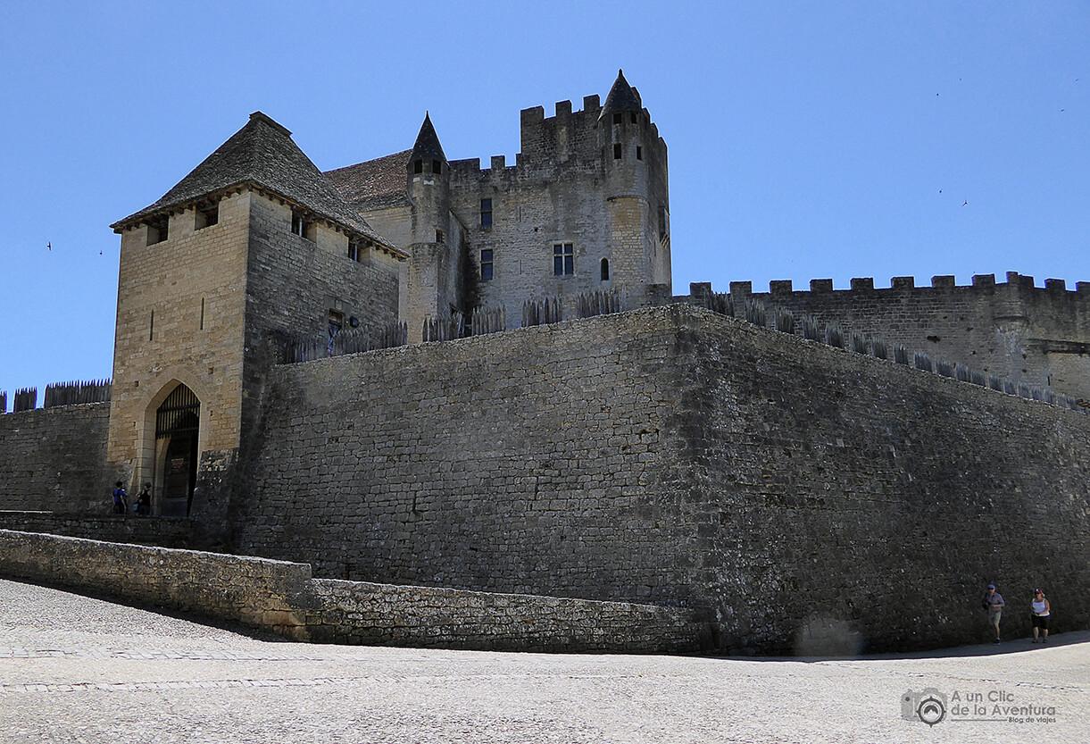 Exterior del Castillo de Beynac- visitarCastelnaud y Beynac-et-Cazenac