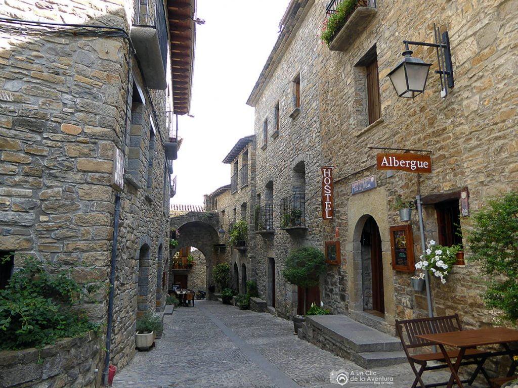 Calle Mayor de Aínsa