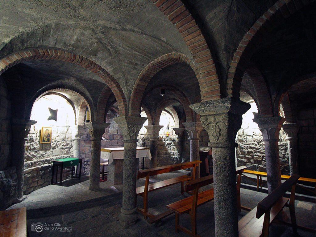Cripta subterránea de la iglesia de Santa María de Aínsa