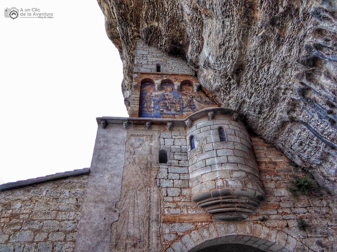 Pinturas románicas del santuario