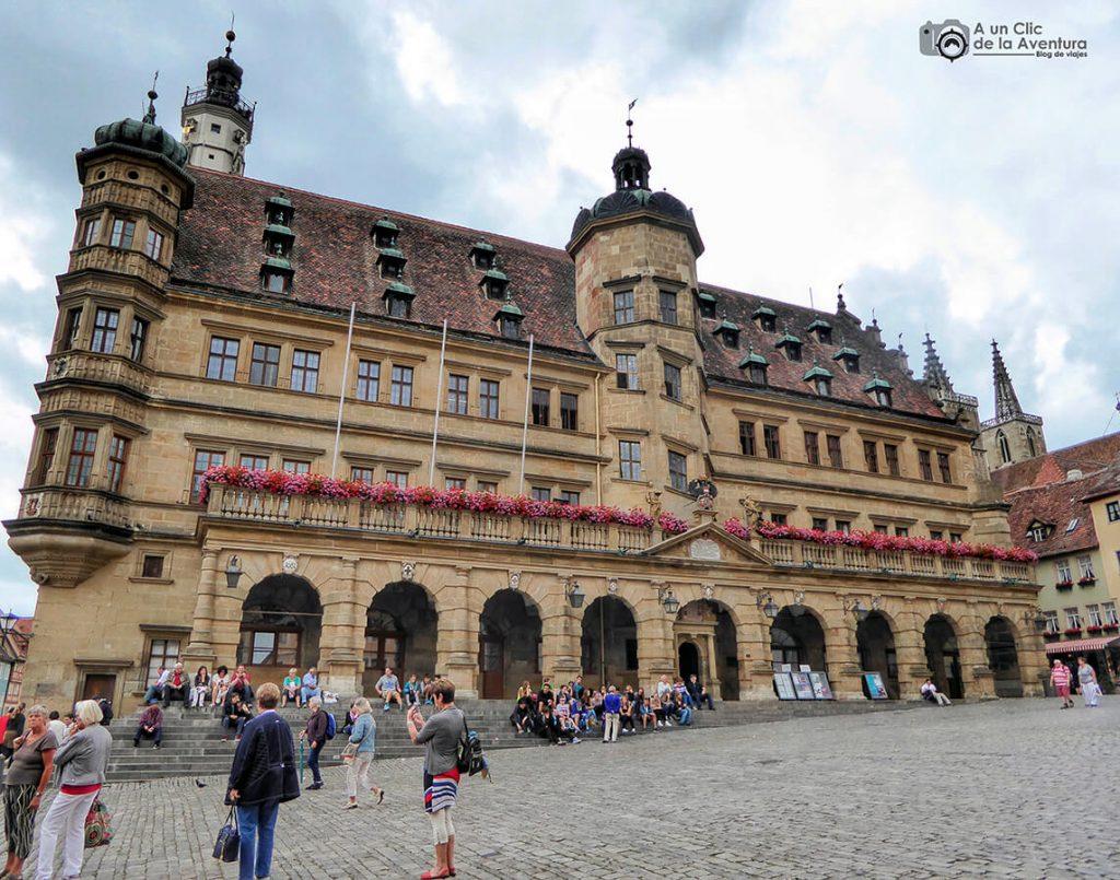 Fachada renacentista del Ayuntamiento - qué ver en Rothenburg ob der Tauber