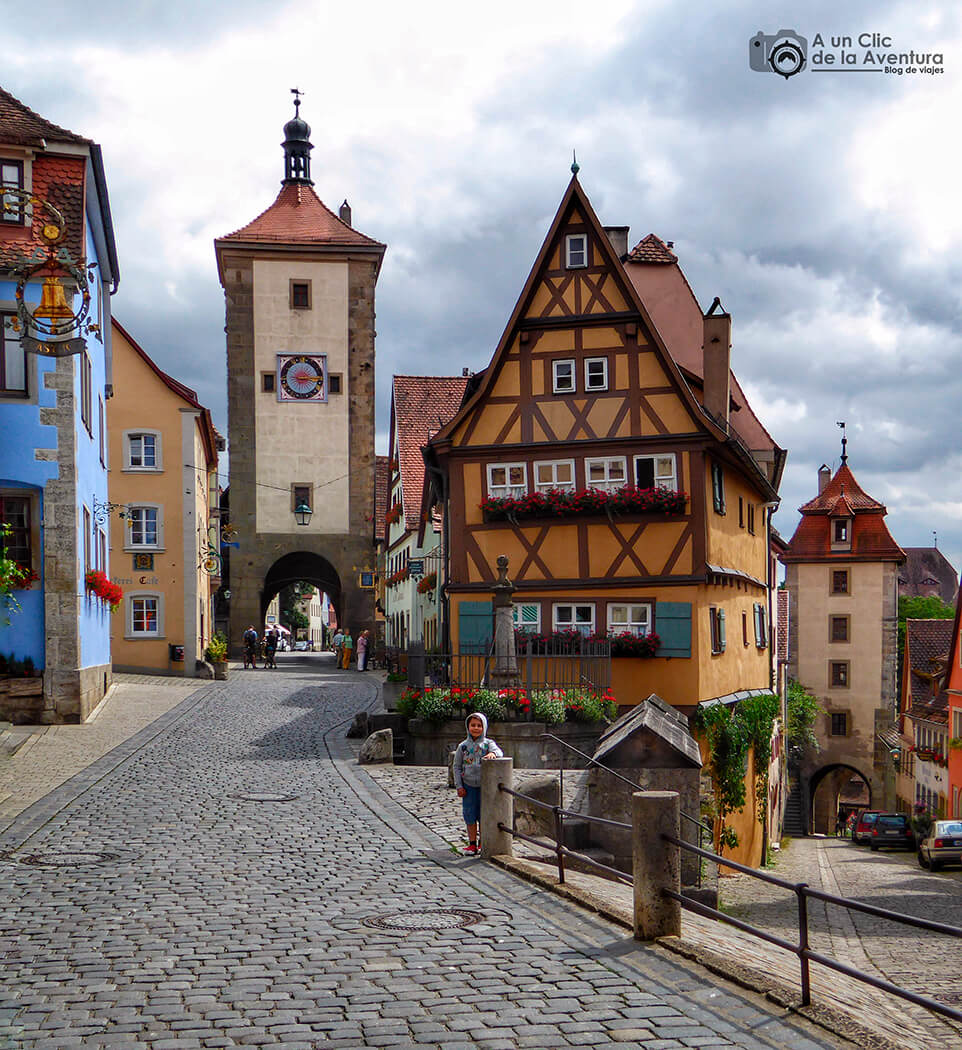 Plönlein con las torres Siesbersturm y Kobolzeller - cómo visitar Rothenburg ob der Tauber