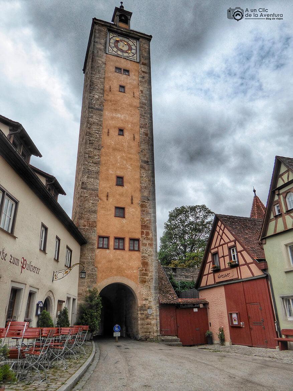 Otra de las torres de Rothenburg ob der Tauber - cómo visitar Rothenburg ob der Tauber