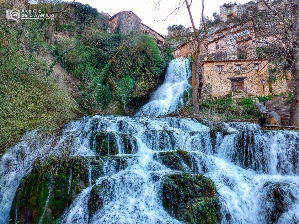 Cascada de Orbaneja del Castillo - Valle de Sedano y Las Loras