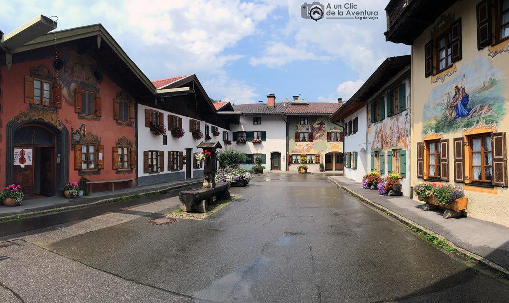 Geigenbau Museum o Museo del Violín de Mittenwald a la izquierda