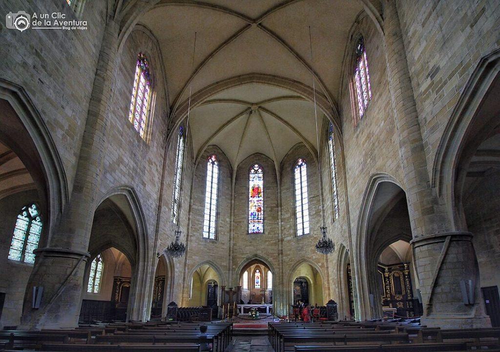 Interior de la Catedral de Saint Sacerdos de Sarlat