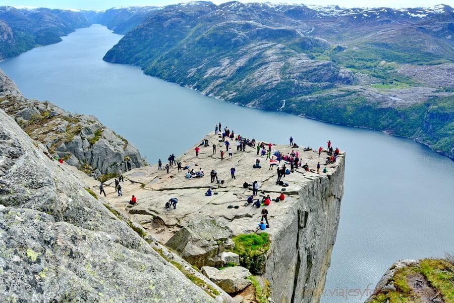 """El """"Púlpito"""" o Preikestolen - los paisajes más impresionantes de Europa"""