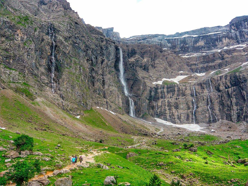 Popular excursión que nos lleva desde Gavarnie hasta los pies de la Gran Cascada
