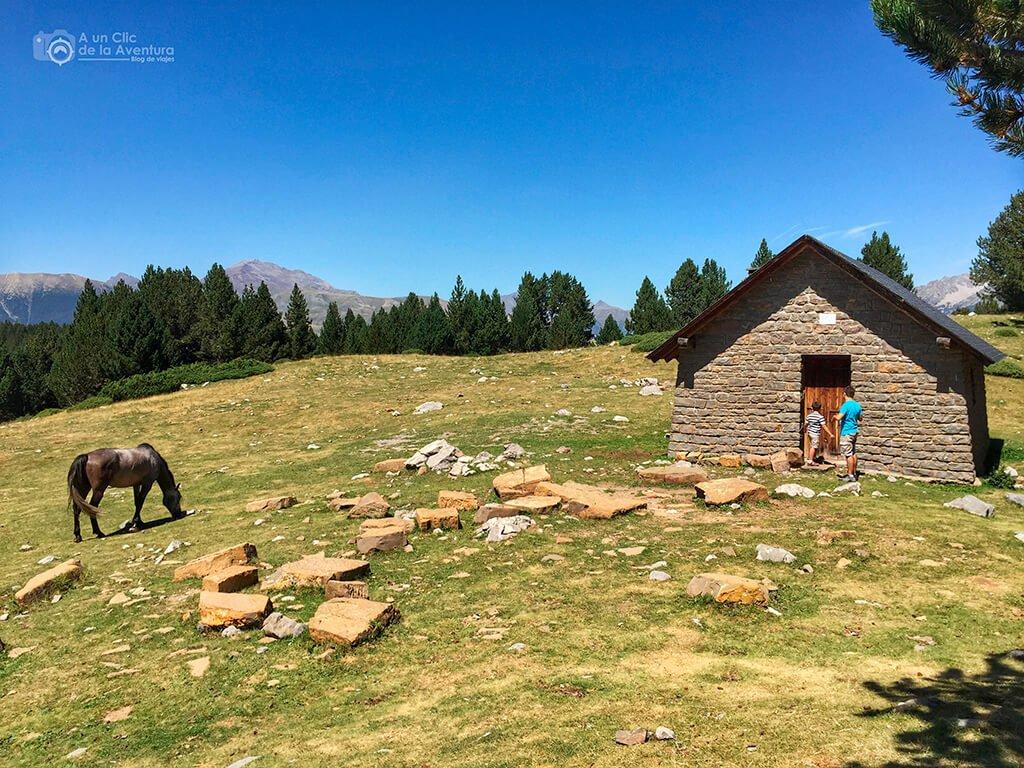 Refugio de Lavasar, ruta al ibón de Plan