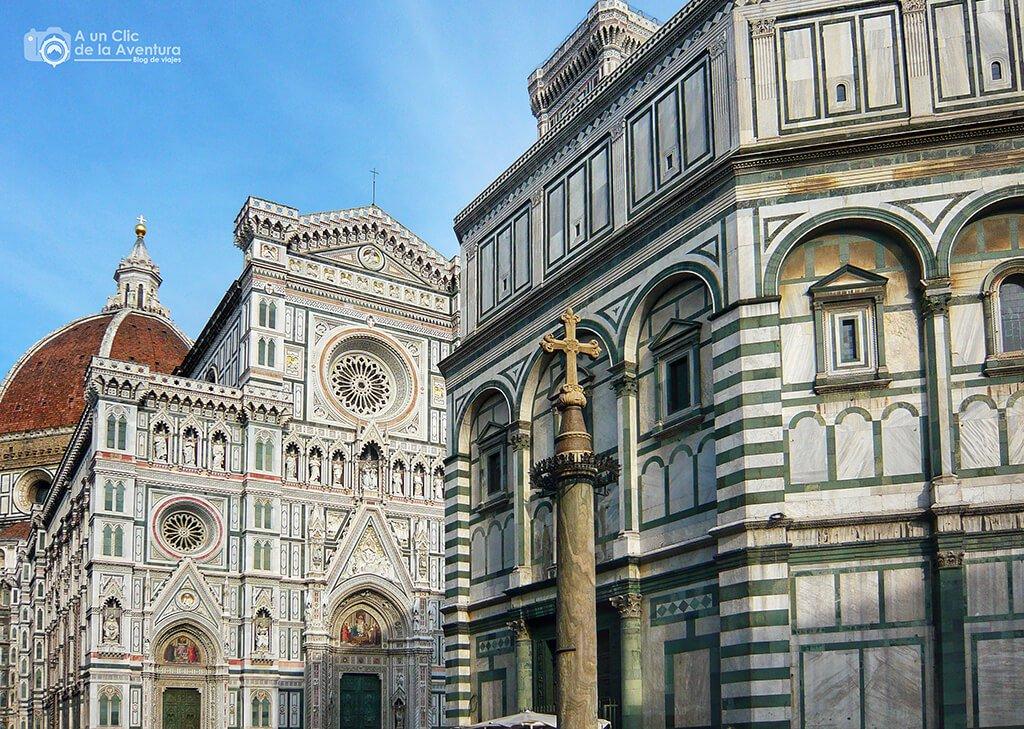 El Baptisterio de San Giovanni y la iglesia de Santa Maria del Fiori