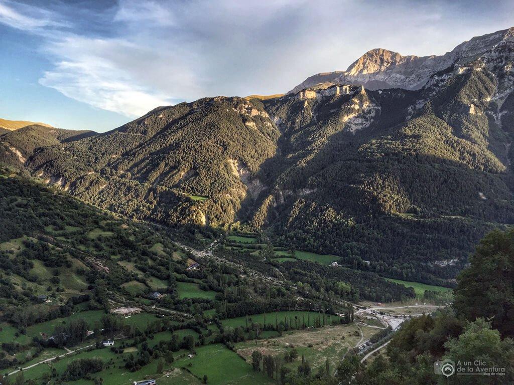 Valle de Gistaín o Chistau, ruta al ibón de Plan