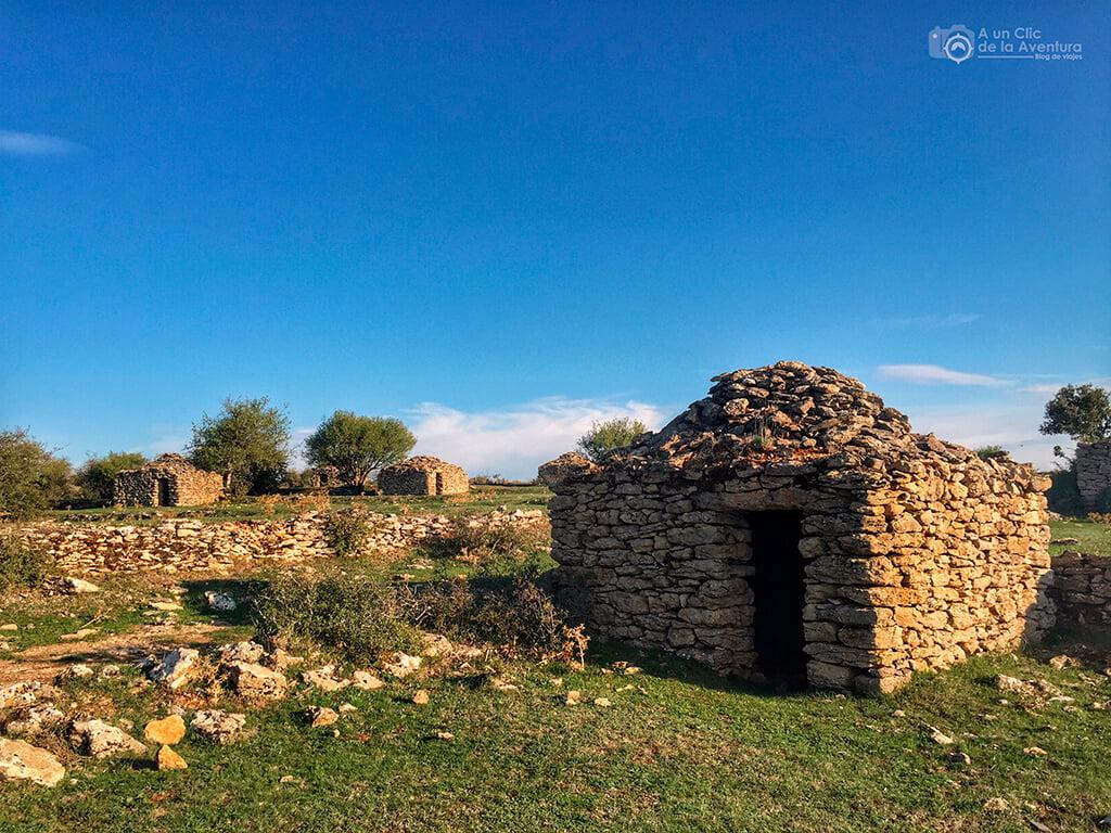 Chozos de la Laguna en Orbaneja del Castillo - que hacer en Las Loras