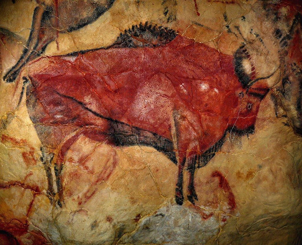 Bisonte hembra de la sala de los polícromos de las Cuevas de Altamira - monumentos más representativos de España
