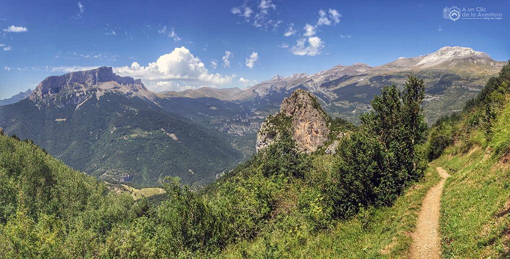 Panorámica de la ruta de las ermitas de Tella