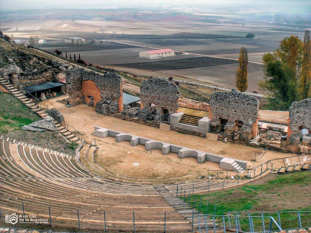 Teatro romano de Clunia - qué ver en la Ribera del Duero