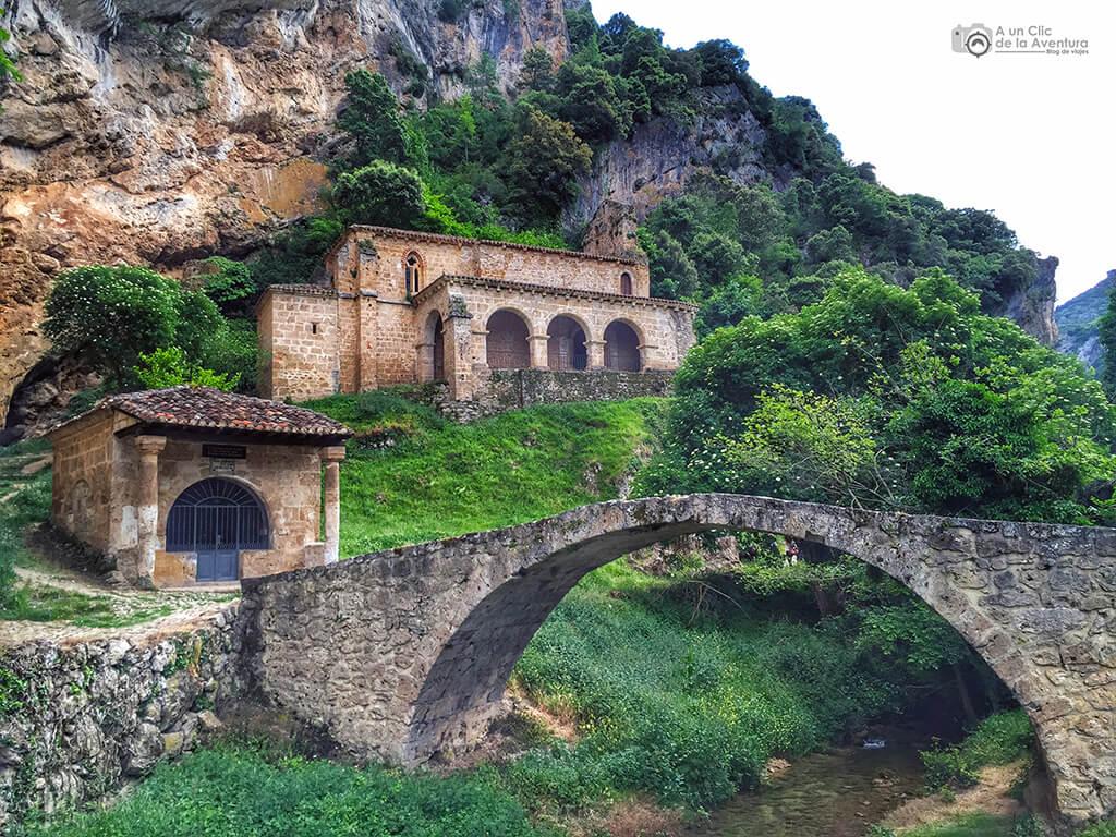 Ermitas de Nuestra Señora de la Hoz y del Cristo de los Remedios junto a Tobera
