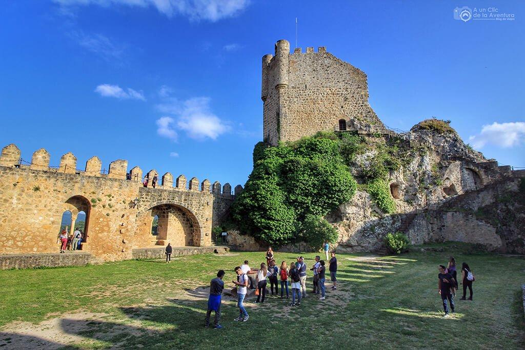 Patio de armas del Castillo de los Velasco de Frías