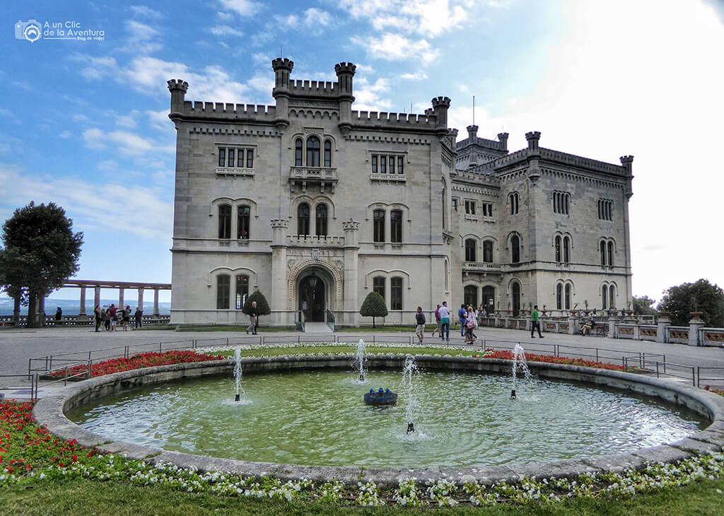 Castillo Miramare de Trieste - viaje en coche a Venecia y norte de Italia