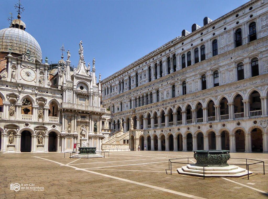Interior del Palacio Ducal de Venecia - viaje en coche a Venecia y norte de Italia