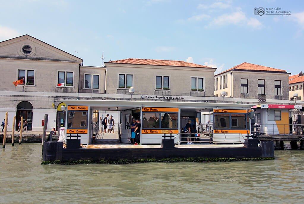 Transporte en Venecia. Embarcadero de Piazzale Roma