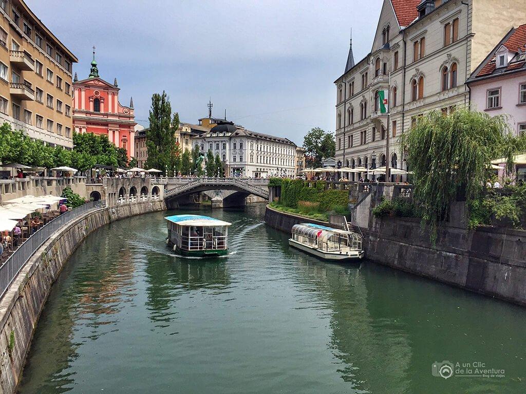 Río Ljubljanica en Liubliana - Viaje en coche a Eslovenia