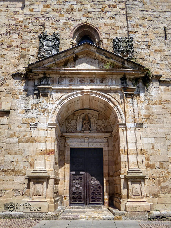 Portada Occidental de la Iglesia de San Pedro y San Ildefonso - que ver en Zamora