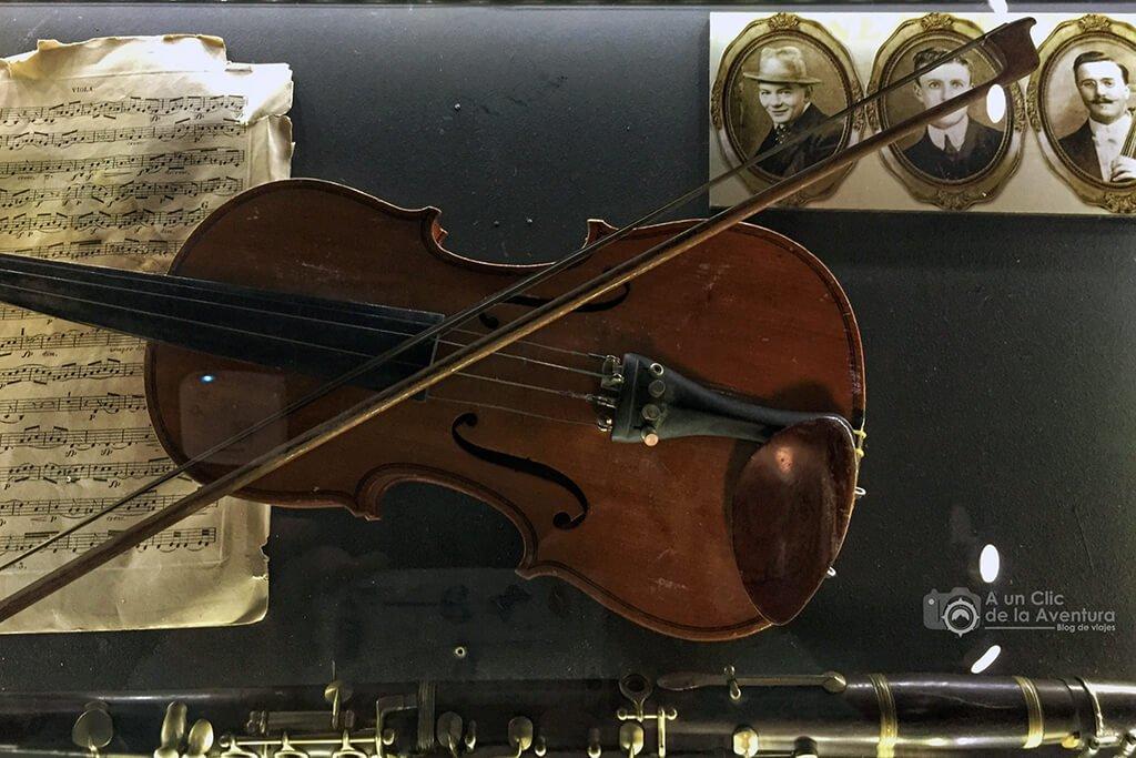 La célebre orquesta del Titanic - Exposición Titanic The Reconstruction