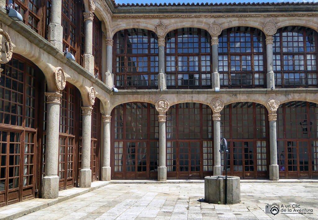 Patio central del Palacio de los Condes de Alba y Aliste - que ver en Zamora