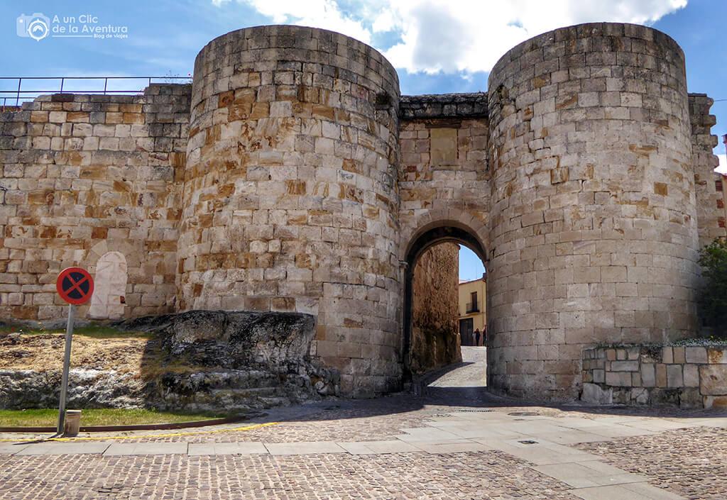 Puerta de Zambrano o de Doña Urraca - que ver en Zamora