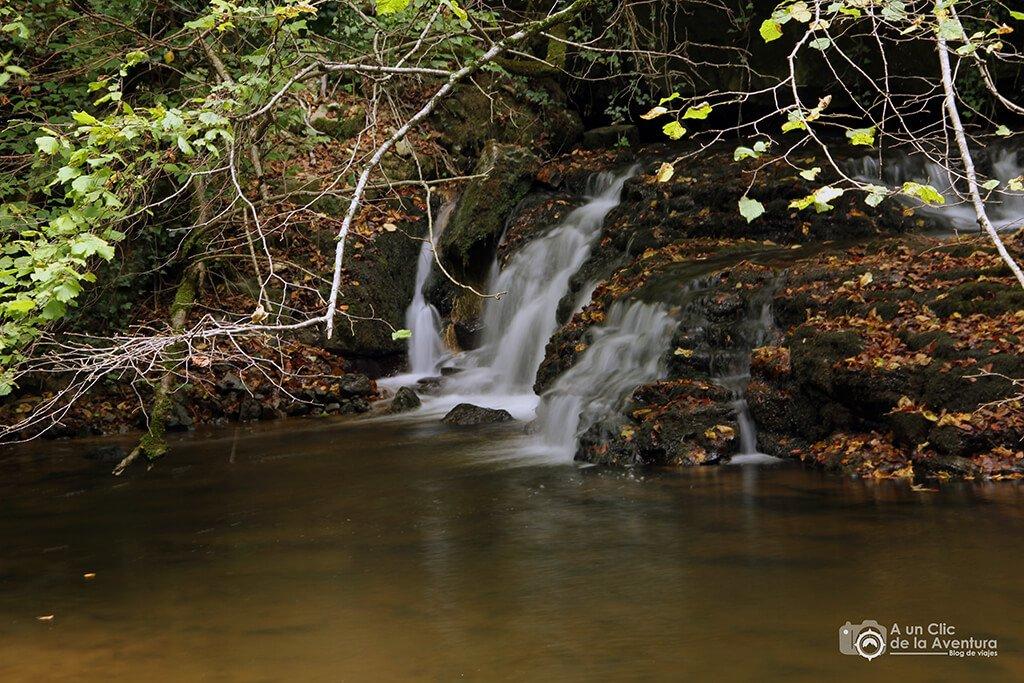 Cascada de las Pisas - planes en familia para hacer en Burgos
