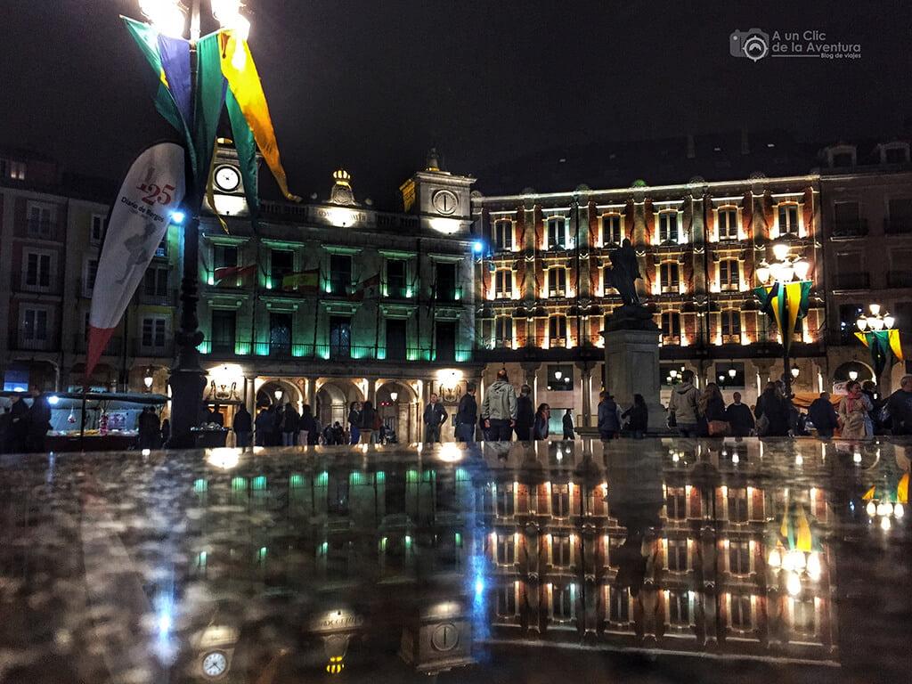 Plaza Mayor de Burgos en la noche del Fin de Semana Cidiano