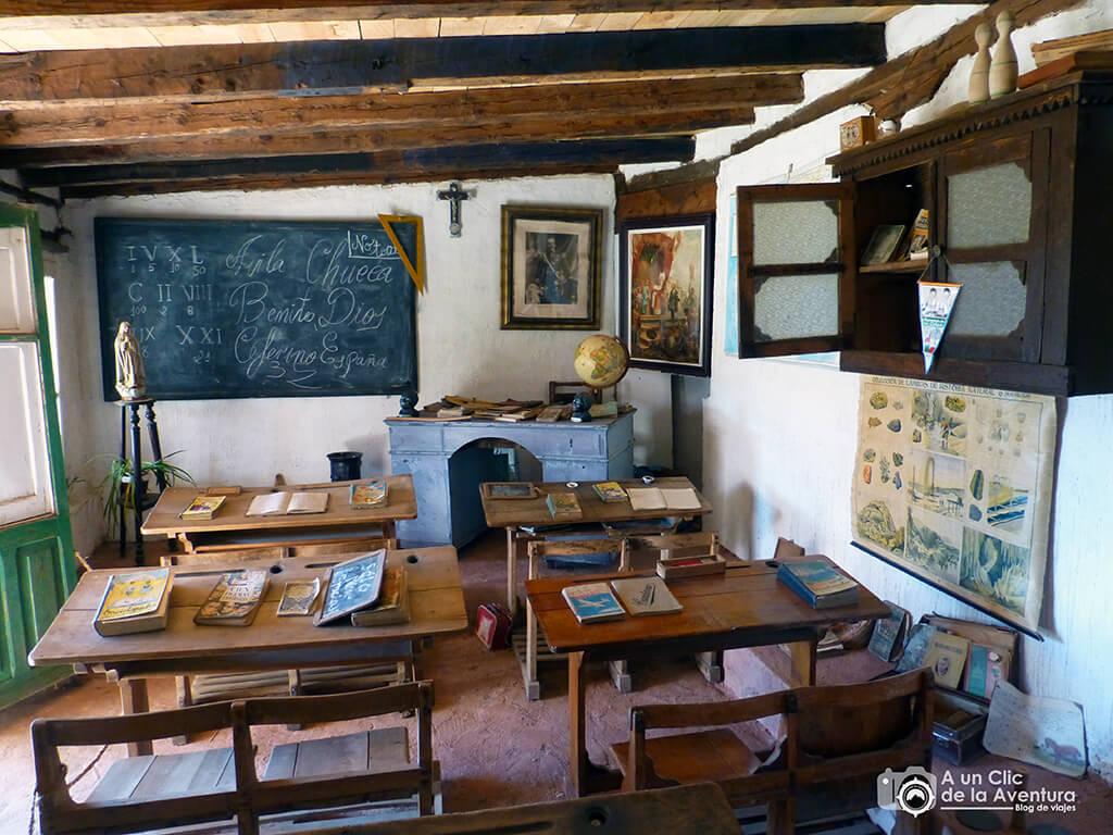 Recreación de la escuela en Territorio Artlanza - planes en familia para hacer en Burgos