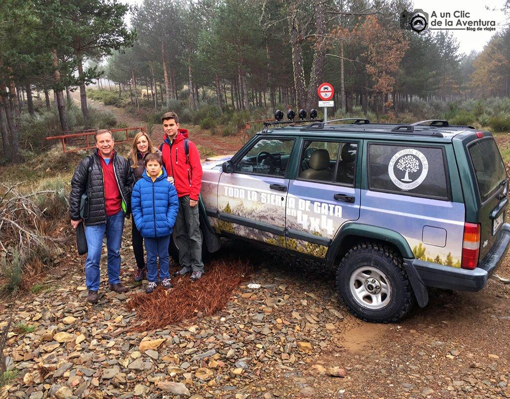 Preparados para realizar la ruta en 4x4 por la Sierra de Gata - Sierra de Gata en familia