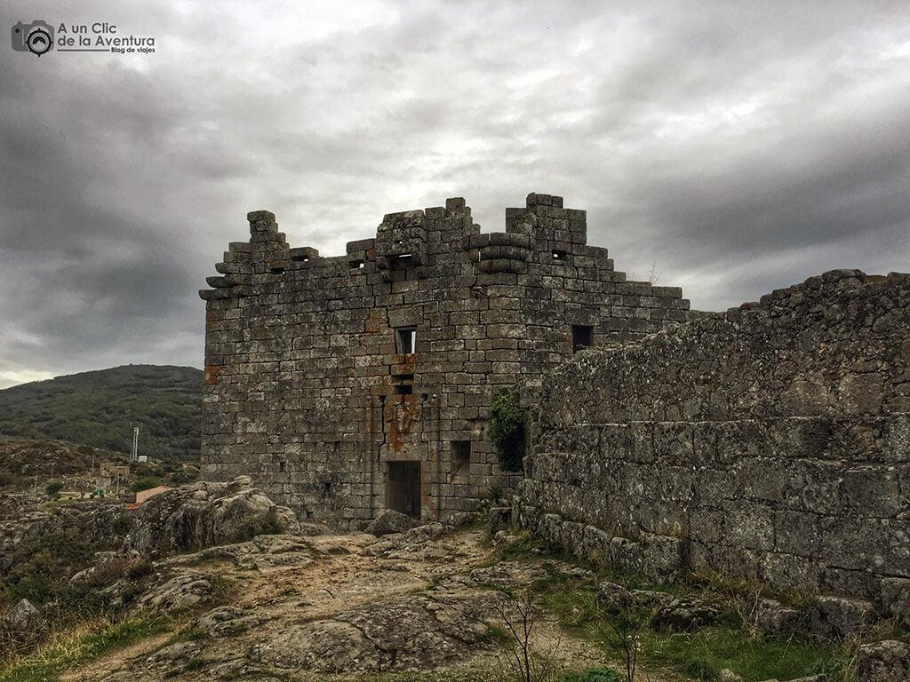 Torre del Homenaje del Castillo de Trevejo - Sierra de Gata en familia
