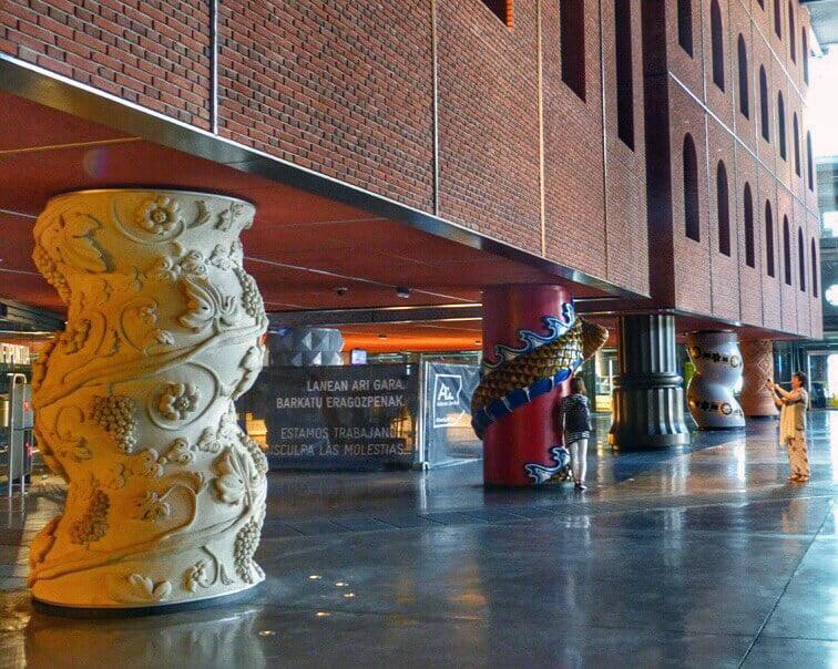 La Alhondiga o Azkuna Zentroa en Bilbao - que ver en Bilbao