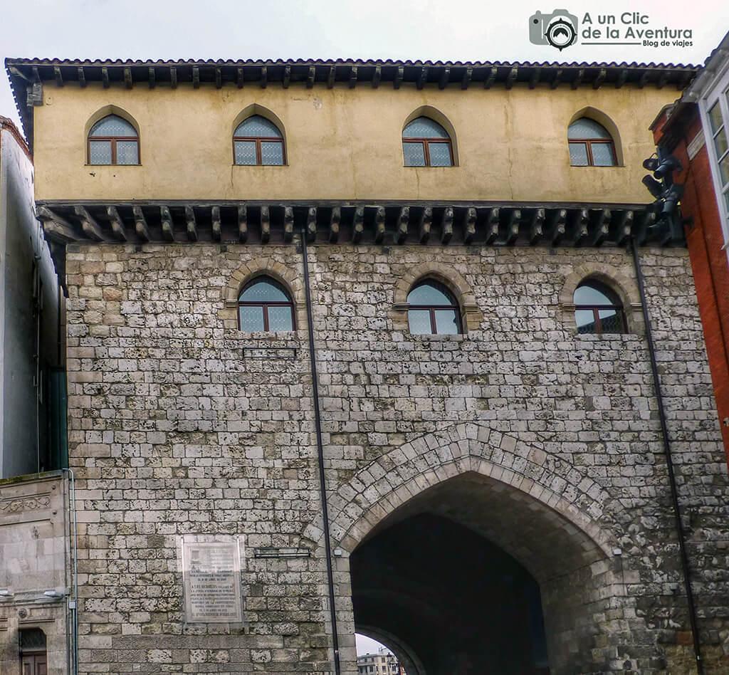 Fachada posterior del Arco de Santa María - principales monumentos de Burgos en el Renacimiento