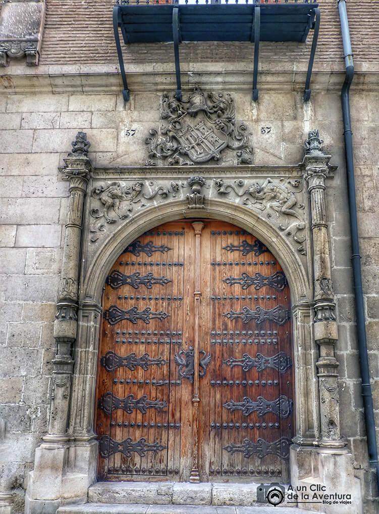 Portada del Palacio de Castilfalé - principales monumentos de Burgos en el Renacimiento