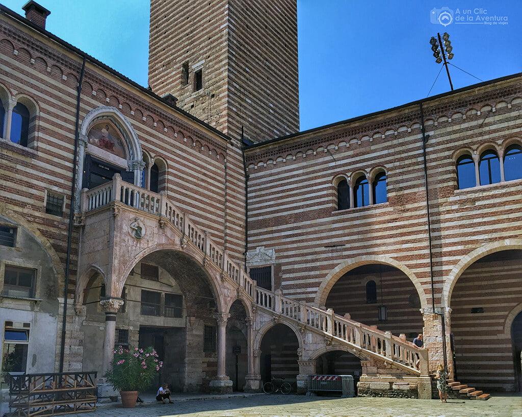Escalera de la Razón de Verona
