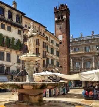 Plaza de las Hierbas o Piazza delle Erbe de Verona