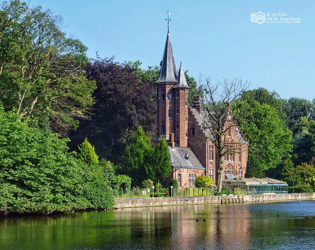 El Minnewater o Lago del Amor en Brujas