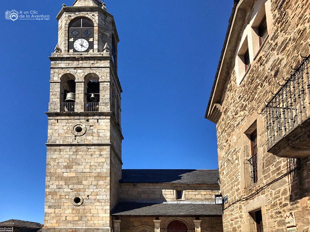 Torre de la iglesia de Nuestra Señora del Azogue en Puebla de Sanabria
