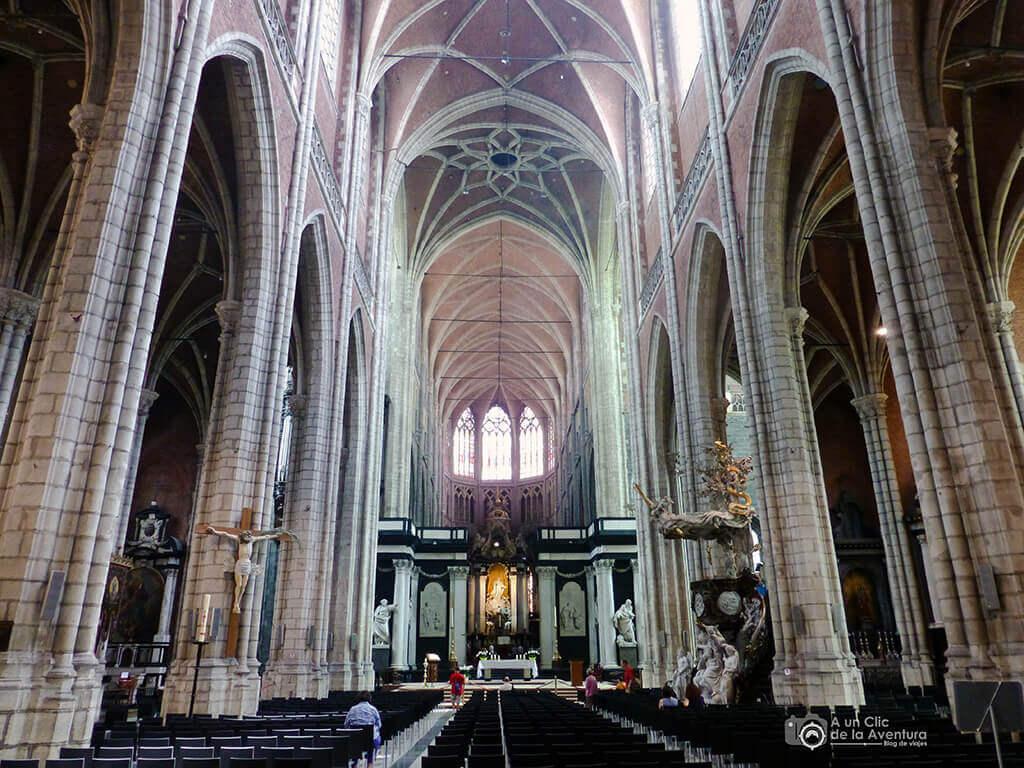 Interior de la Catedral de San Bavón - Qué ver en Gante