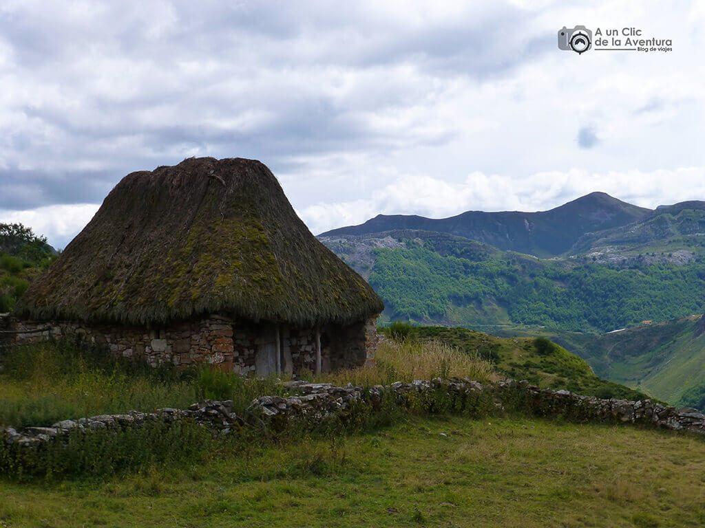 Cabana de teito - Cosas que hacer en el Parque Natural de Somiedo
