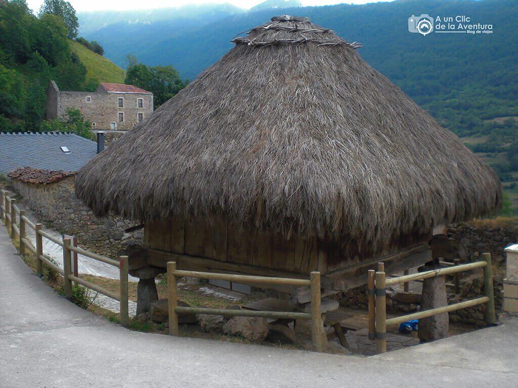 Hórreo de Urría - Cosas que hacer en el Parque Natural de Somiedo