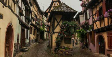 Calles de Eguisheim - pueblos más bonitos de Alsacia
