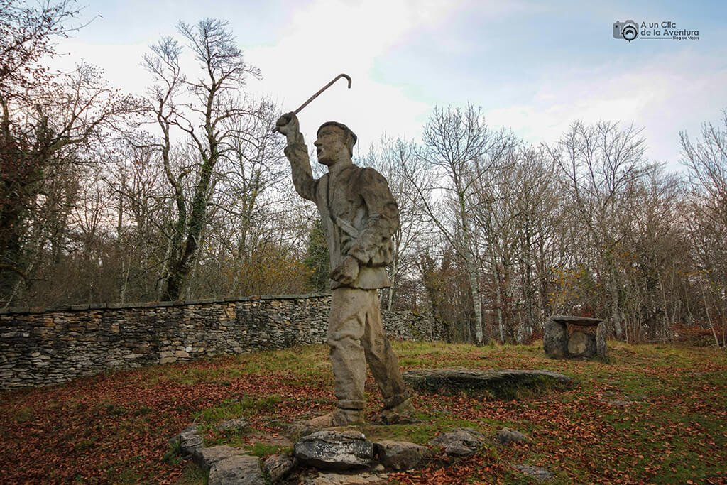 Lobera Vieja del Monte Santiago - ruta circular por el Monumento Natural del Monte Santiago