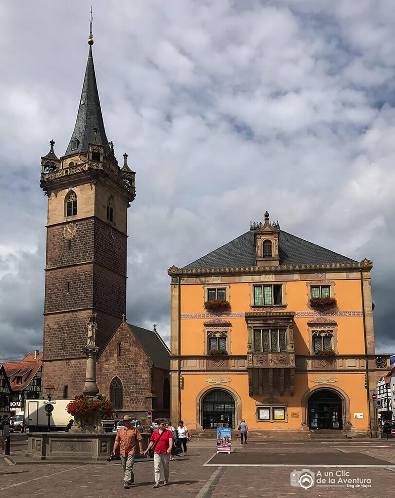 Plaza del Mercado de Obernai - pueblos más bonitos de Alsacia