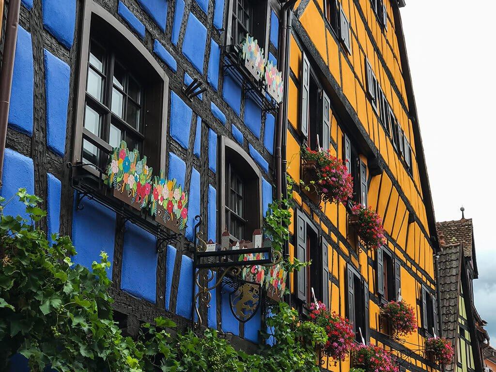 Casas tradicionales de Riquewihr - pueblos más bonitos de Alsacia