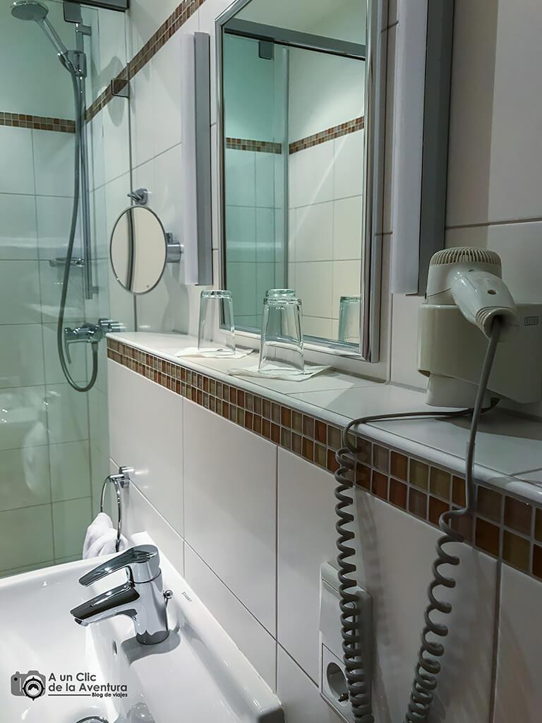 Cuarto de baño del Hotel Drei Raben de Núremberg