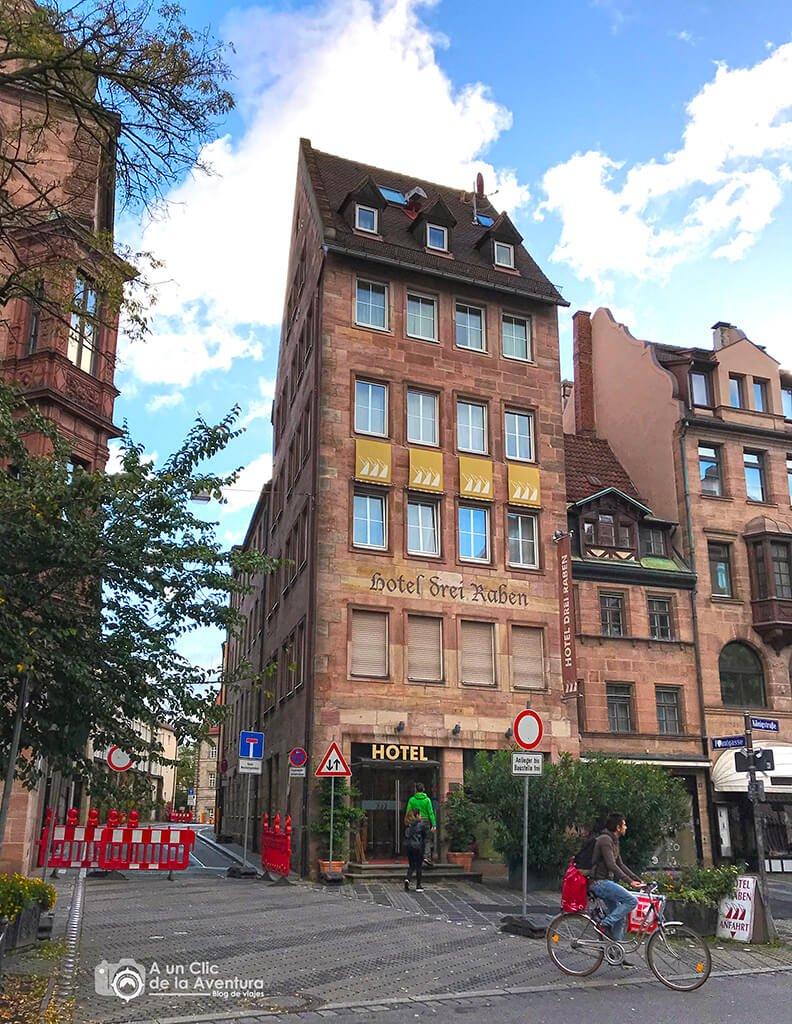 Vista exterior del Hotel Drei Raben de Núremberg